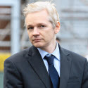 julian-assange-speaks-to-media-after-gaining-extended-bail-177-1_jpg_1328015344